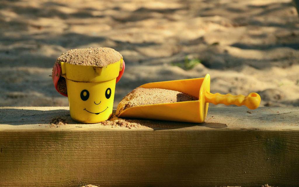Hvordan vælger du den rigtige sandkasse?