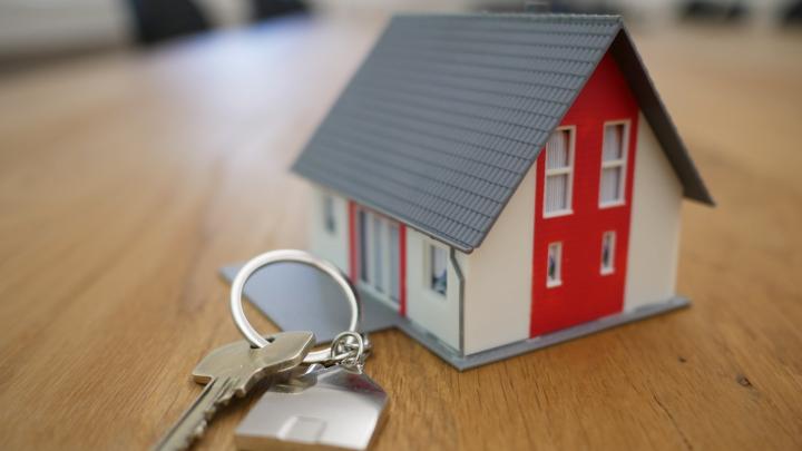 Sælg boligen selv og spar penge